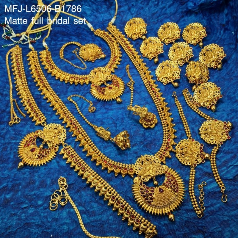 CZ Stones Flowers Design Gold Plated Finish Necklace Set Buy Online