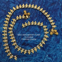 Flower Design Gold Polished Mat With Gold Finish Hair Pin Set Buy Online
