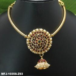 Kempu Stones Golden Colour Polished Moon Design Pendant Necklace Buy Online
