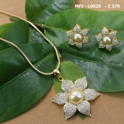 CZ Stones Flowers, Leaves & Drop Design Gold Plated Finish Pendant Set With Chain Buy Online